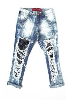 calca-jeans-com-efeito-destroyed-e-com-renda-da-fill-sete-preco-r-299-informacoes-wwwfillsetecombr--preco-e-disponibilidade-pesquisados-em-setembro-de-2014-e-sujeitos-a-alteracoes-1412804647093_300x420