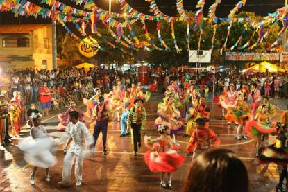 Festa-Junina..jpg.opt560x373o0,0s560x373