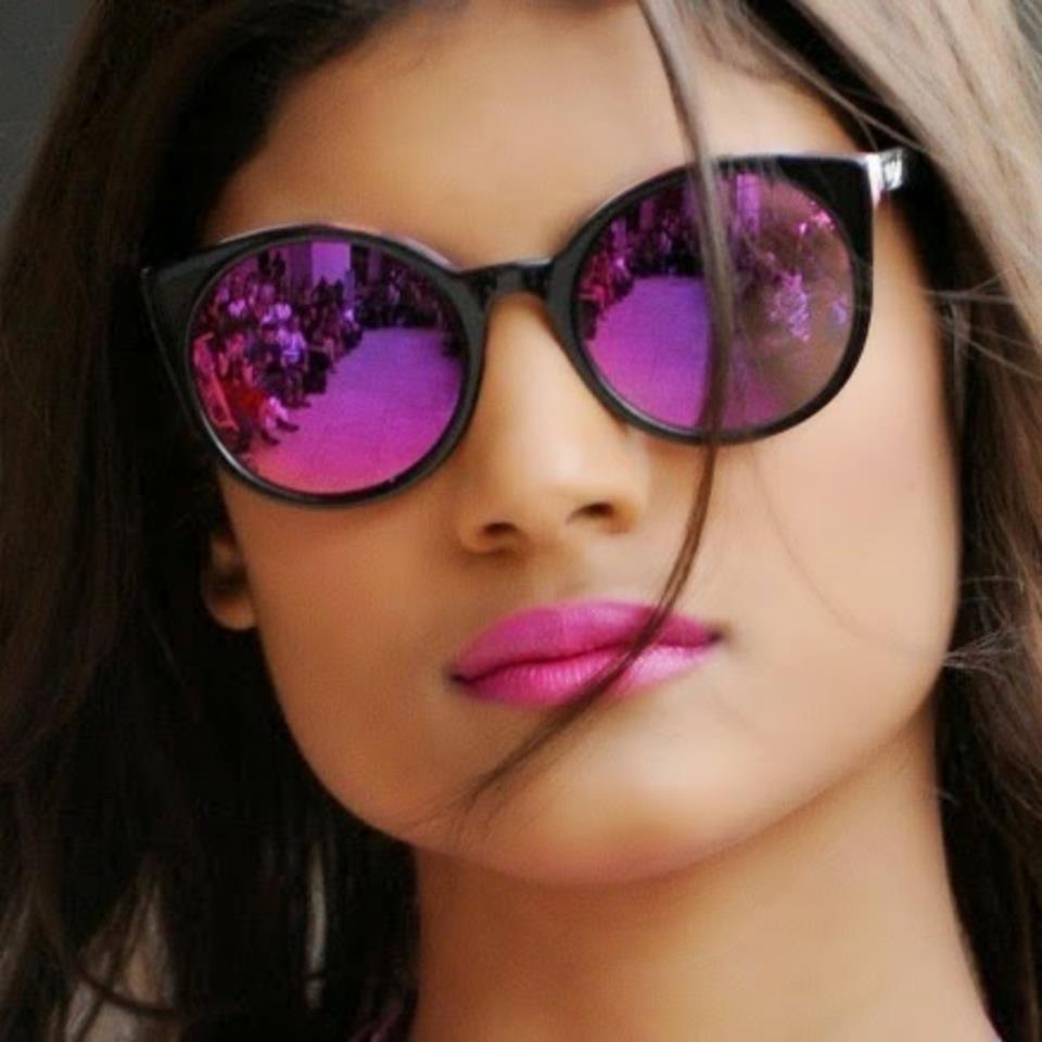 df17588af Se existe um acessório que a mulherada ama de paixão são os óculos de sol  ,pois além de ser um acessório, ele completa seu look deixando-a mais  elegante, ...