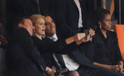 heres-obama-taking-a-selfie-with-david-cameron-and-denmarks-prime-minister-at-mandelas-memorial-service-980x600