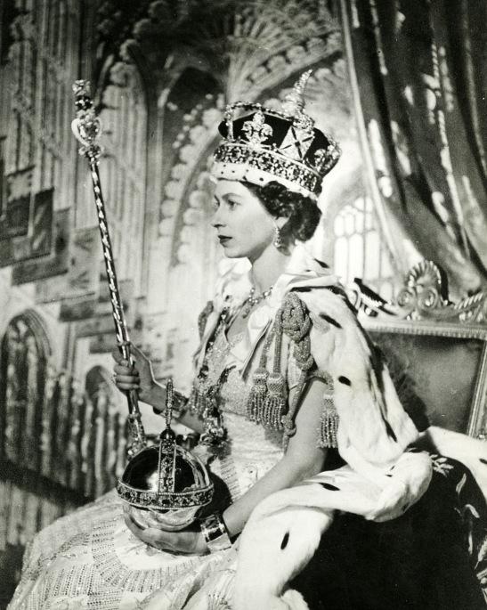 rainha-elizabeth-2-cecil-beaton-1953