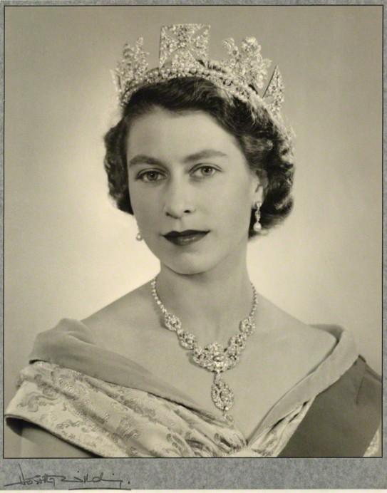 Rainha Elizabeth II em 1952 – Foto de Dorothy Wilding