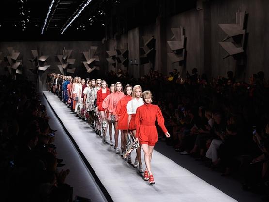 Fendi - Runway - Milan Fashion Week SS16