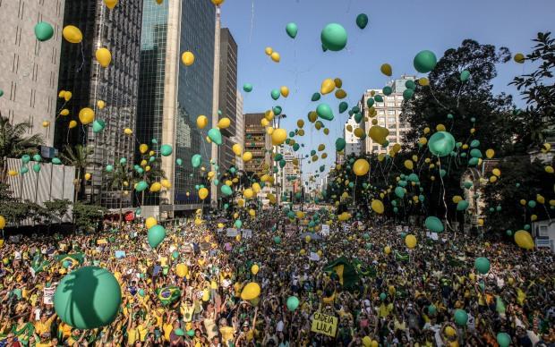 Manifestação contra governo de Dilma em todo o país