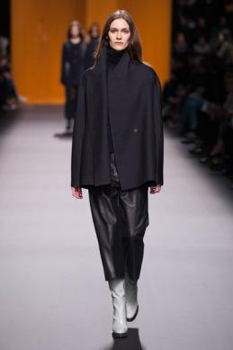 Hermès-PAP-FEMME-AH16-Crédit-Jean-François-José-Look-16