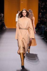 Hermès-PAP-FEMME-AH16-Crédit-Jean-François-José-Look-6