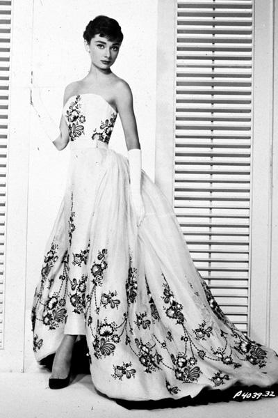 7-Sabrina-AudreyHepburn-Givenchy-ballgown