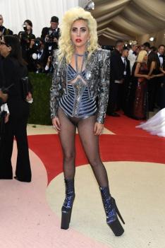 Lady Gaga de Versace