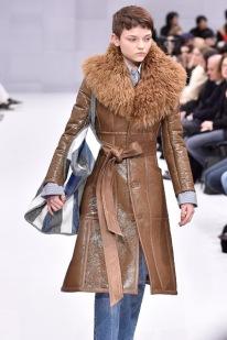 Balenciaga - Runway RTW - Fall 2016 - Paris Fashion Week