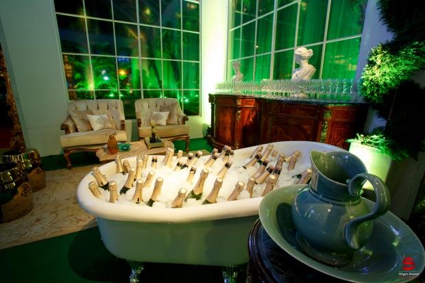 Aletheia-Kleverson-casamento-Buffet-banheira-bebidas