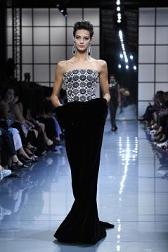 Giorgio Armani Prive : Runway - Paris Fashion Week - Haute Couture Fall/Winter 2016-2017