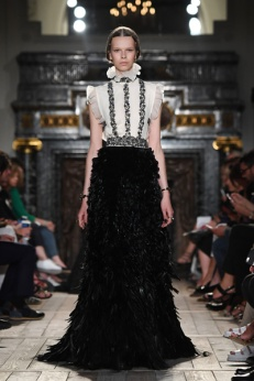 Valentino : Runway - Paris Fashion Week - Haute Couture Fall/Winter 2016-2017