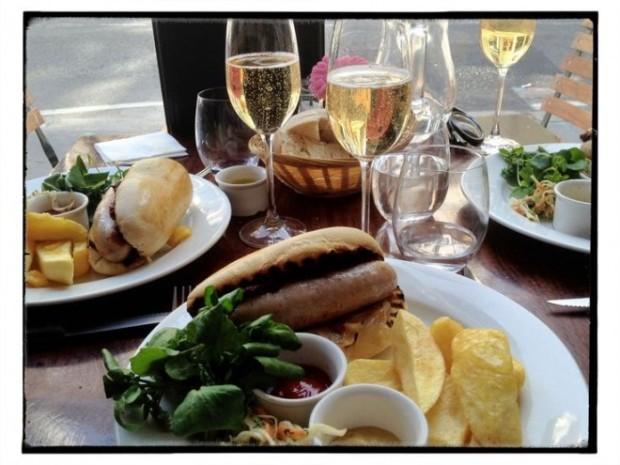 hotdog-champagne-2-660x495