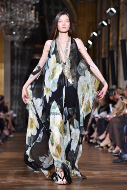 Lanvin : Runway - Paris Fashion Week Womenswear Spring/Summer 2017