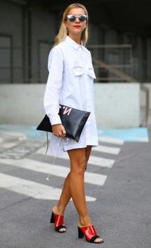 street-style-look-camisa-vestido-branca-mule-maxi-clutch