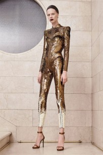 20717-atelier-versace-outono-inverno-201718-05-400x600