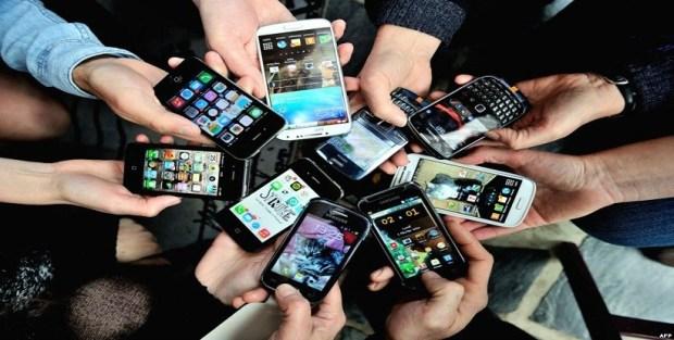 CM-Blog-Belicosa-Smartphone_claudiamatarazzo