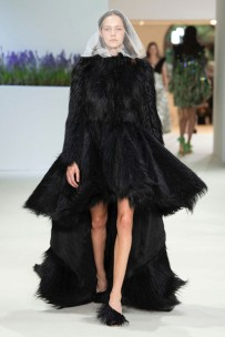030718-giambattista-valli-couture-09-400x600