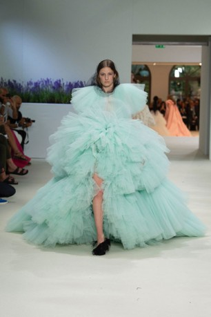 030718-giambattista-valli-couture-51-400x600