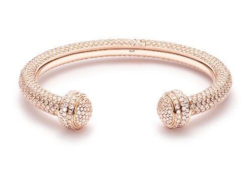 df52898e28b Uma coleção de anéis voluptuosos